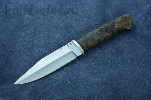 The Mole knife steel D2